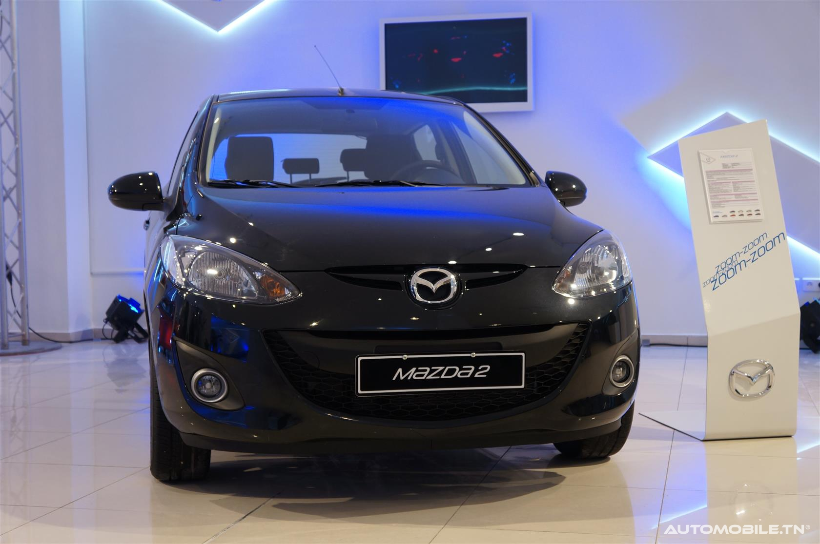 nouveaut s economic auto compl te sa gamme avec la mazda2. Black Bedroom Furniture Sets. Home Design Ideas